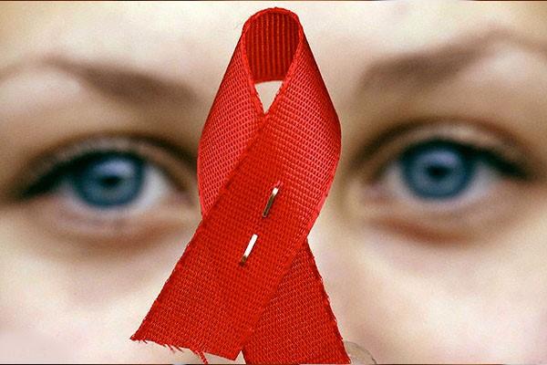 تهیه و انتشار ویژه نامه آموزشی، مطبوعاتی «روز جهانی ایدز»